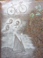 stèle gravée d'un motif